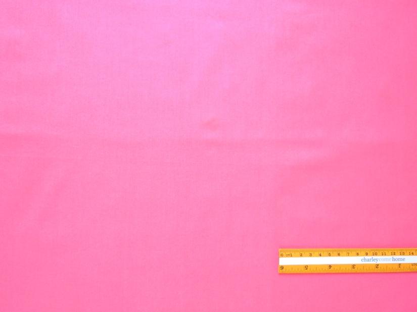 C6-250 | Bubblegum-pink solid, a bit shiny.